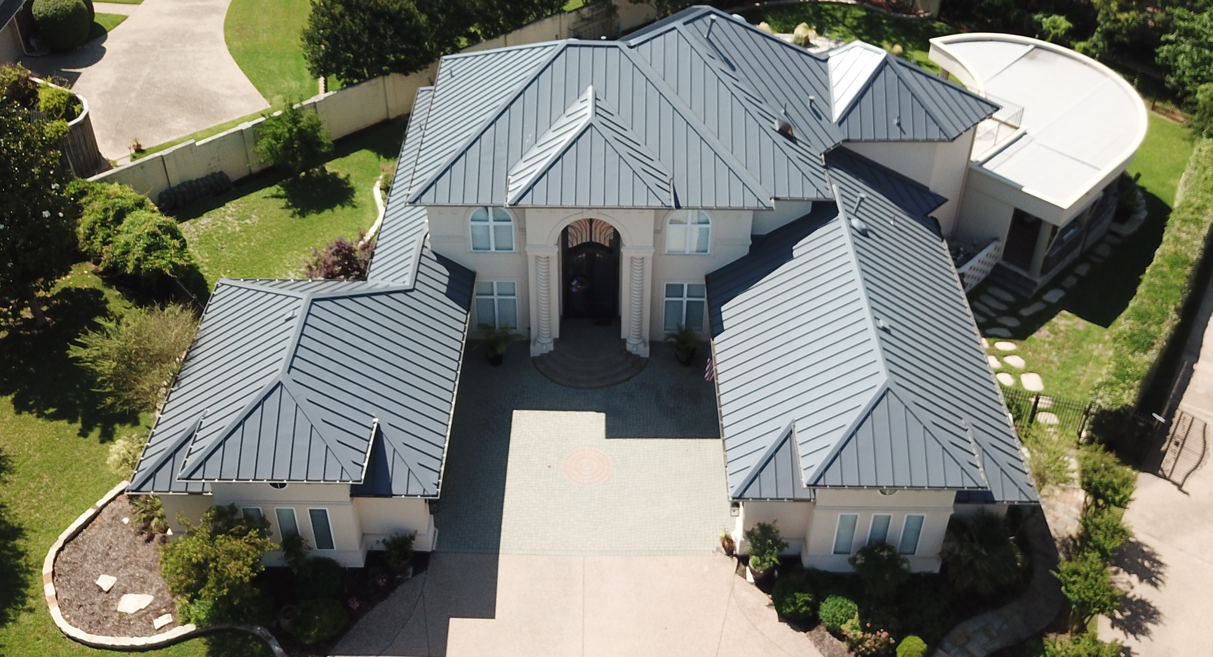 Professional Commercial & Residential Roofing Contractor